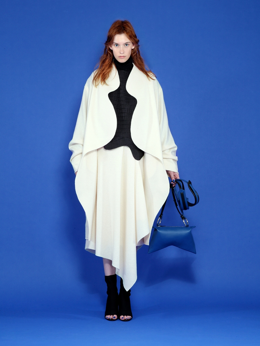 nova oversize coat with strong wavy line